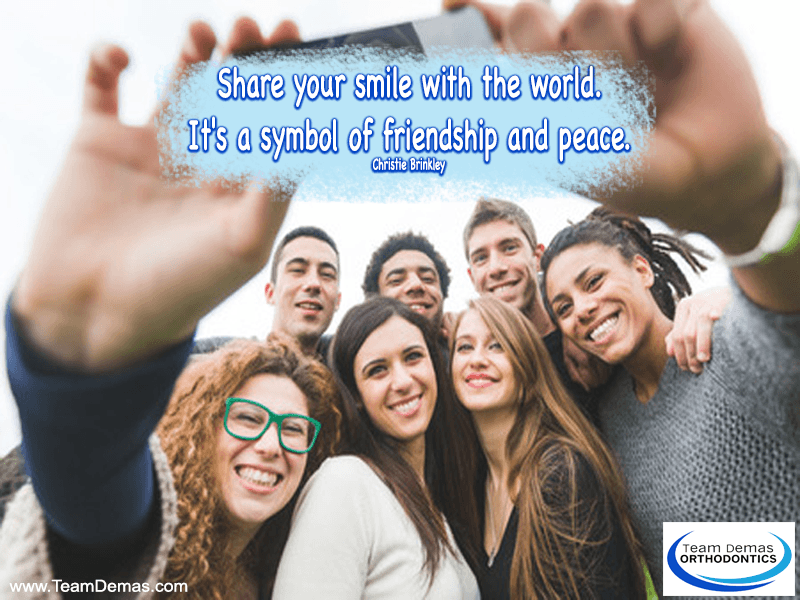 Share Your Smile with the World : It's a Symbol of Friendship and Peace – Christie Brinkley